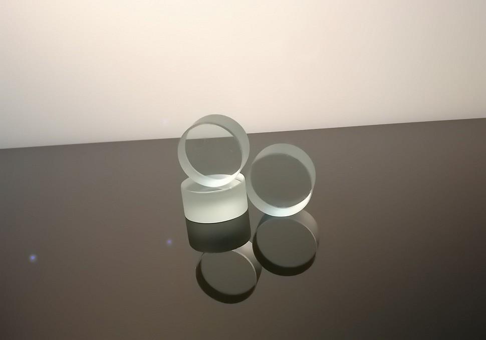Взрывостойкое стекло D37 мм.