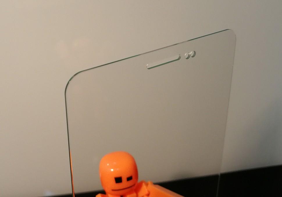 Дисплейное стекло 140х70х0,8 мм. для сматфона